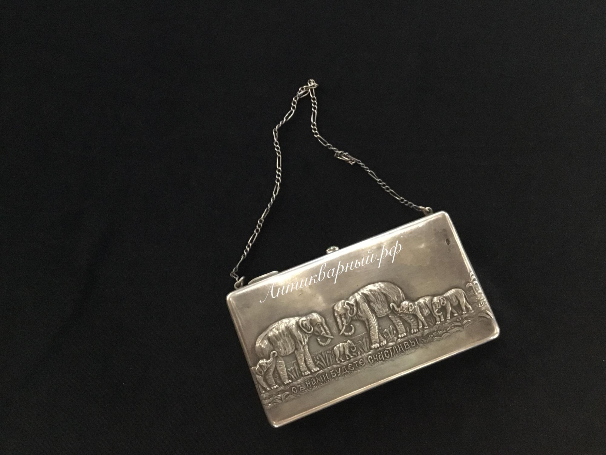 Театральная серебряная сумочка