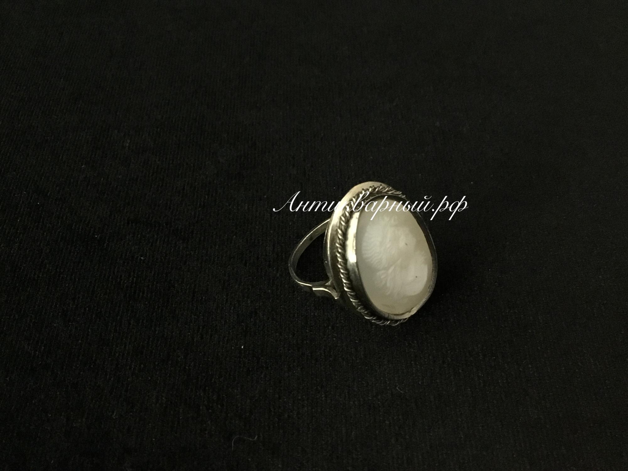 Кольцо мельхиоровое с камеей