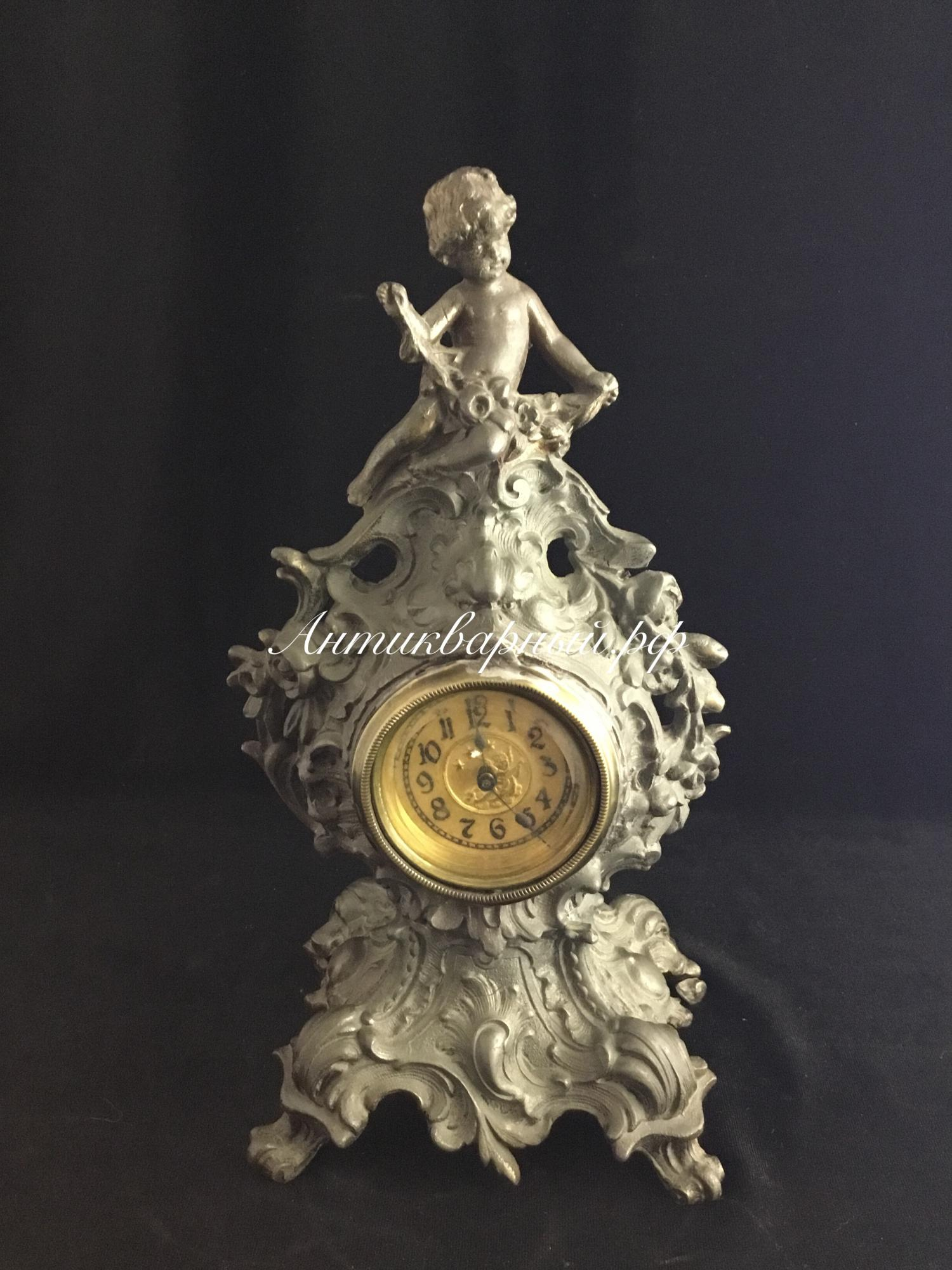 Часы с ангелом.Шпиатр