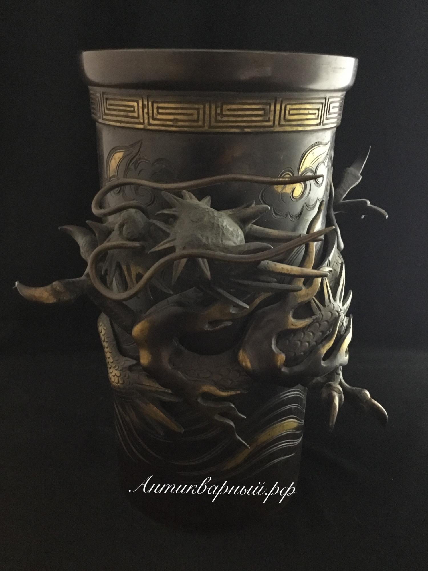 Центральная деталь от керосиновой лампы.Драконы.Бронза
