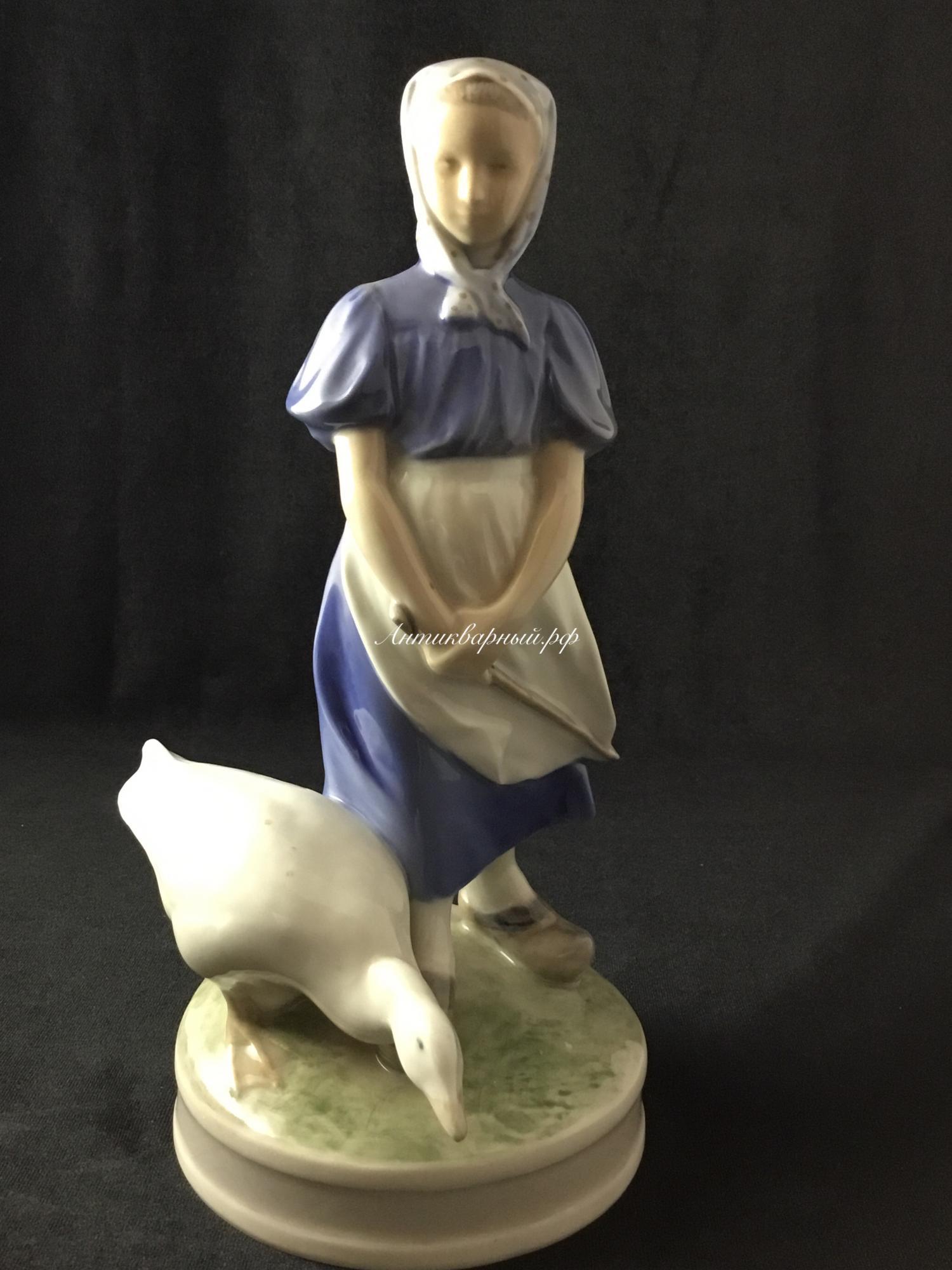 Статуэтка Девушка с гусем.Дания