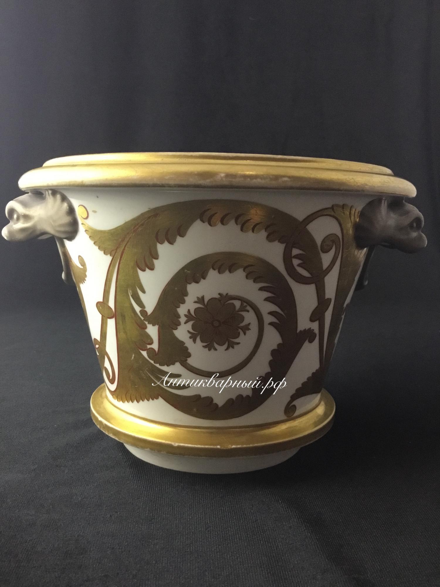 Старинное фарфоровое кашпо с росписью