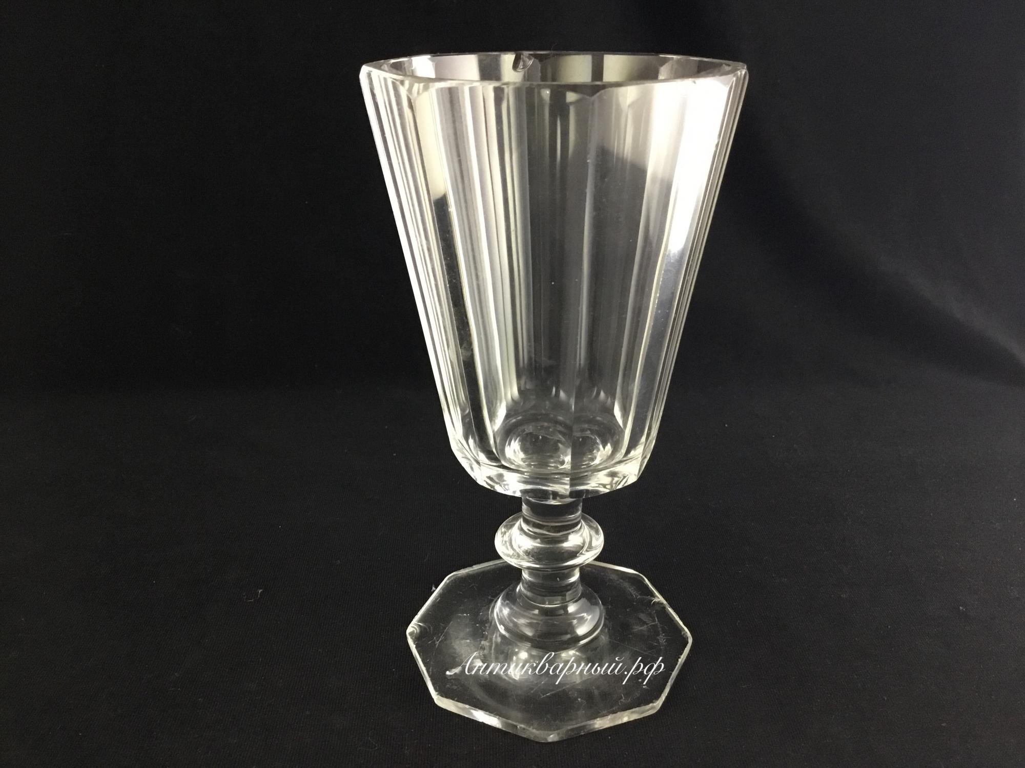 Старинный гранёный стакан