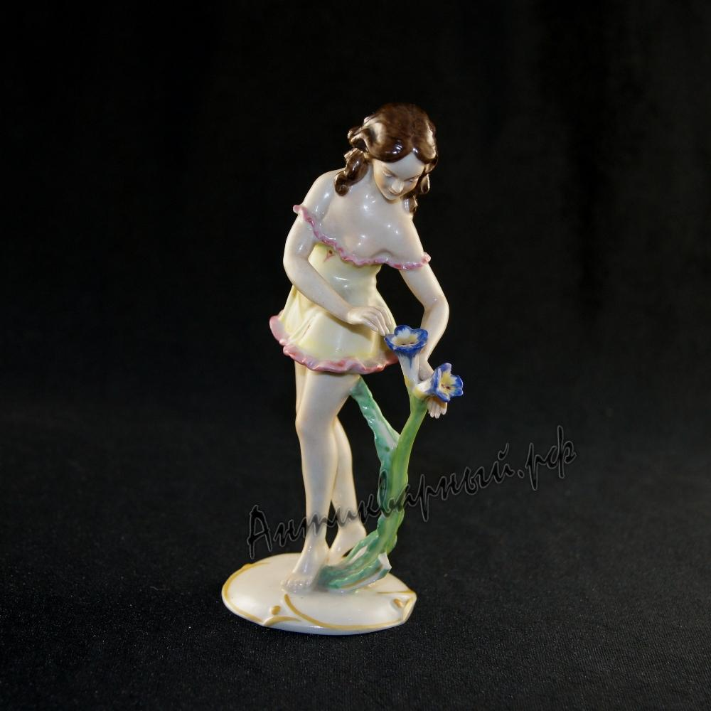 Девушка с цветком. Unter Weiss Bach. Германия