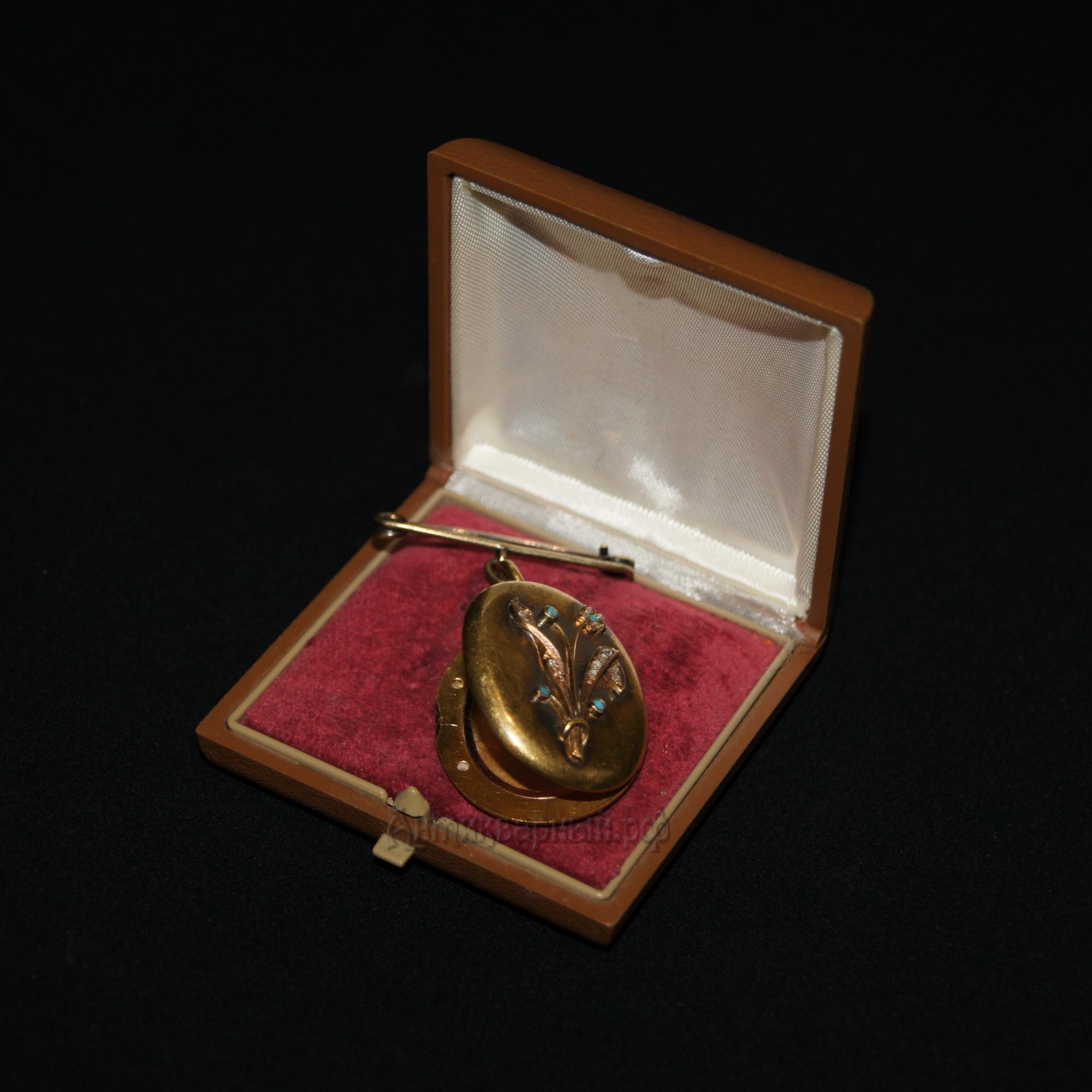 Медальон антикварный с бирюзой и бриллиантами