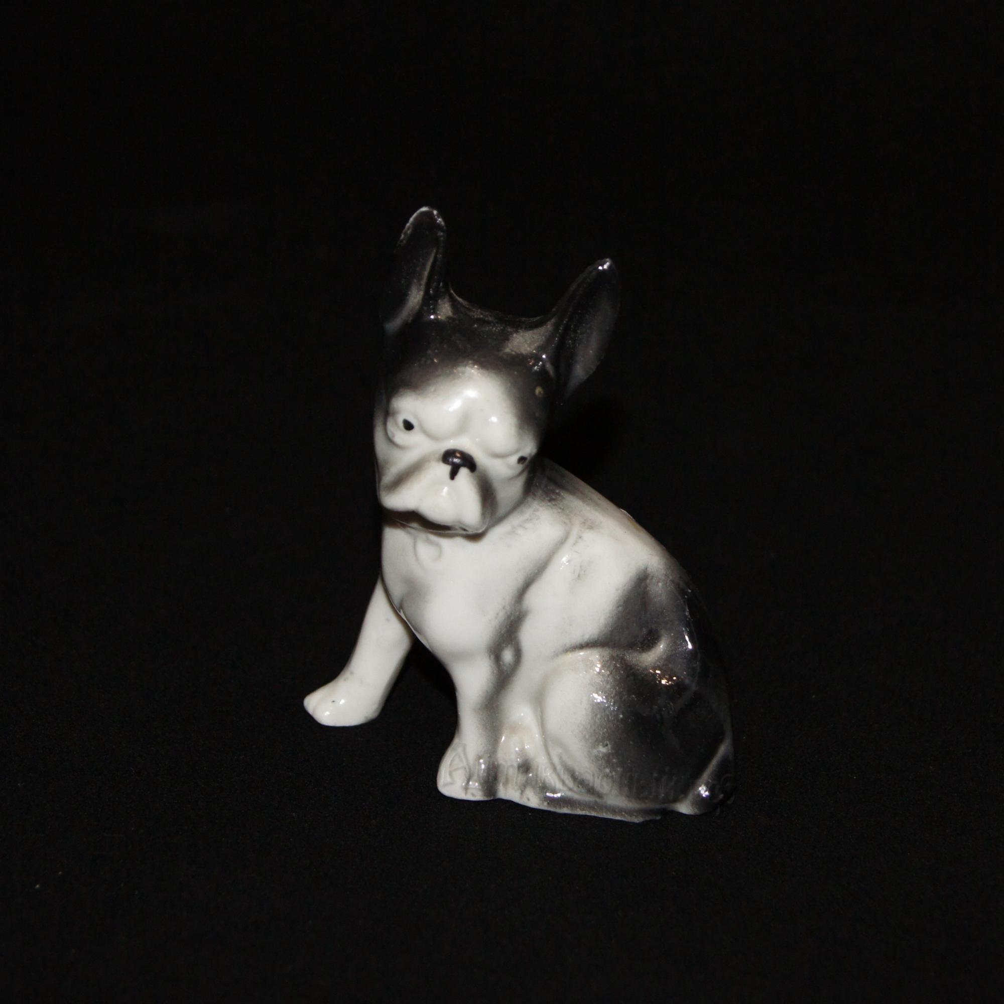 фарфоровый пес