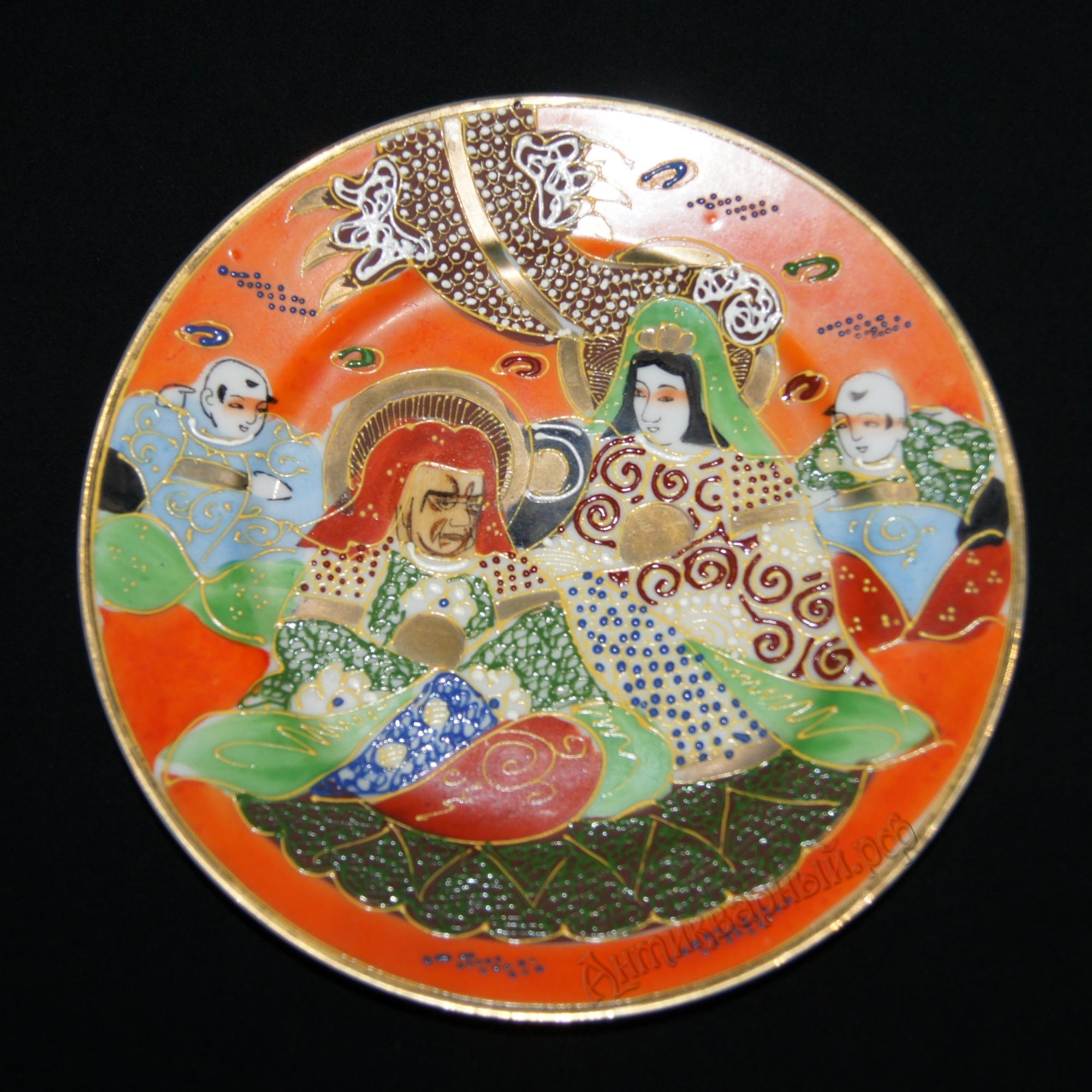 старинная тарелка. япония