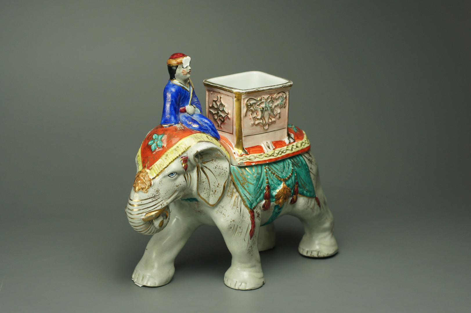 Чайница или табачница Индус на слоне