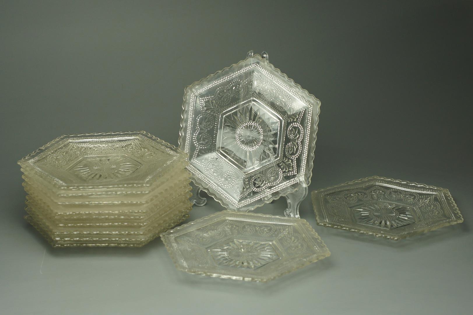 Розетки прессованное стекло