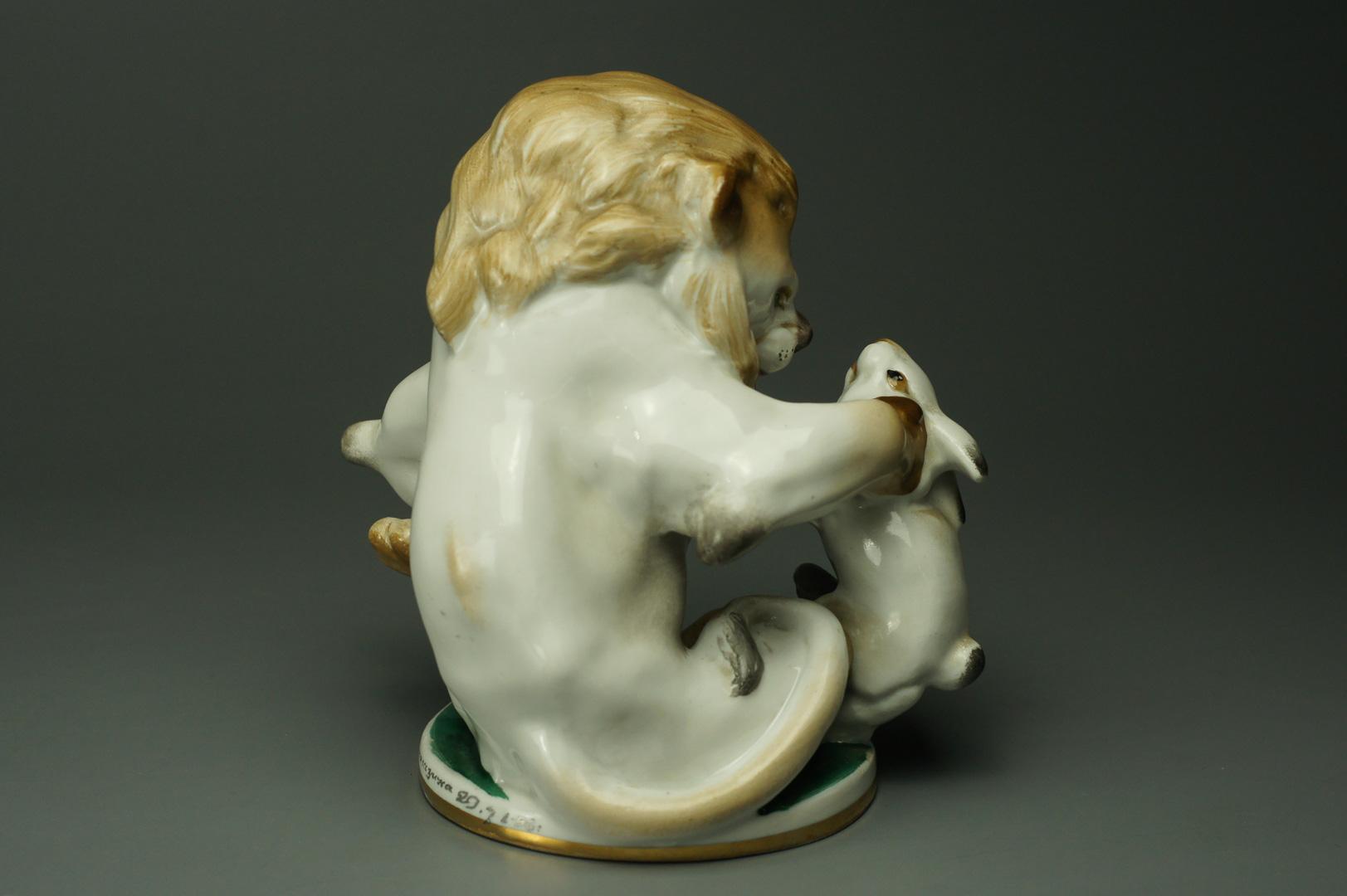 Статуэтка Лев и Заяц (Заяц во хмелю)