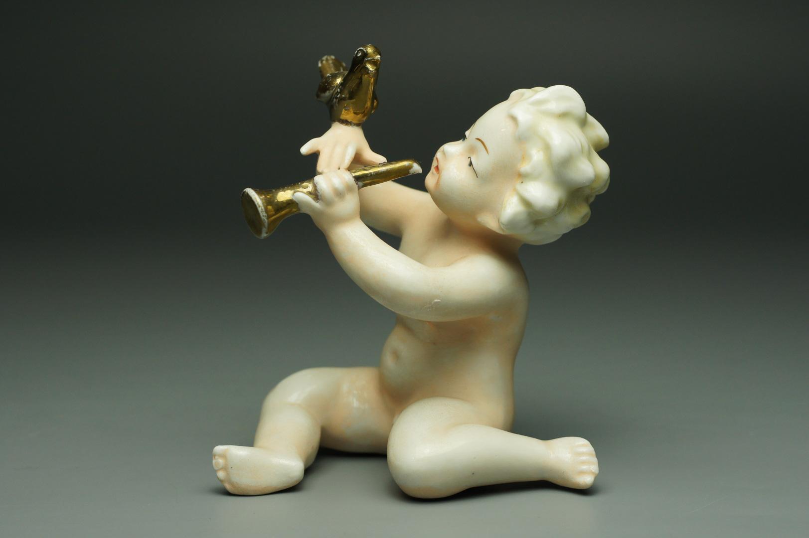 Статуэтка Путти с птичкой
