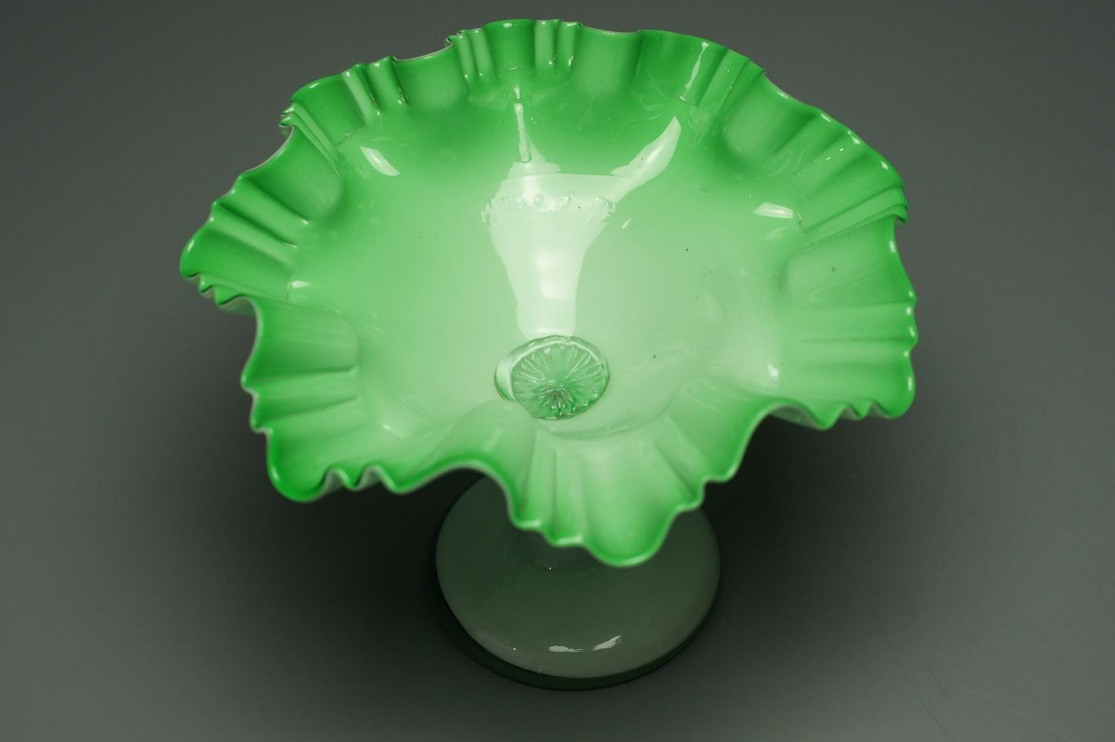 Конфетница зеленая двухслойное стекло