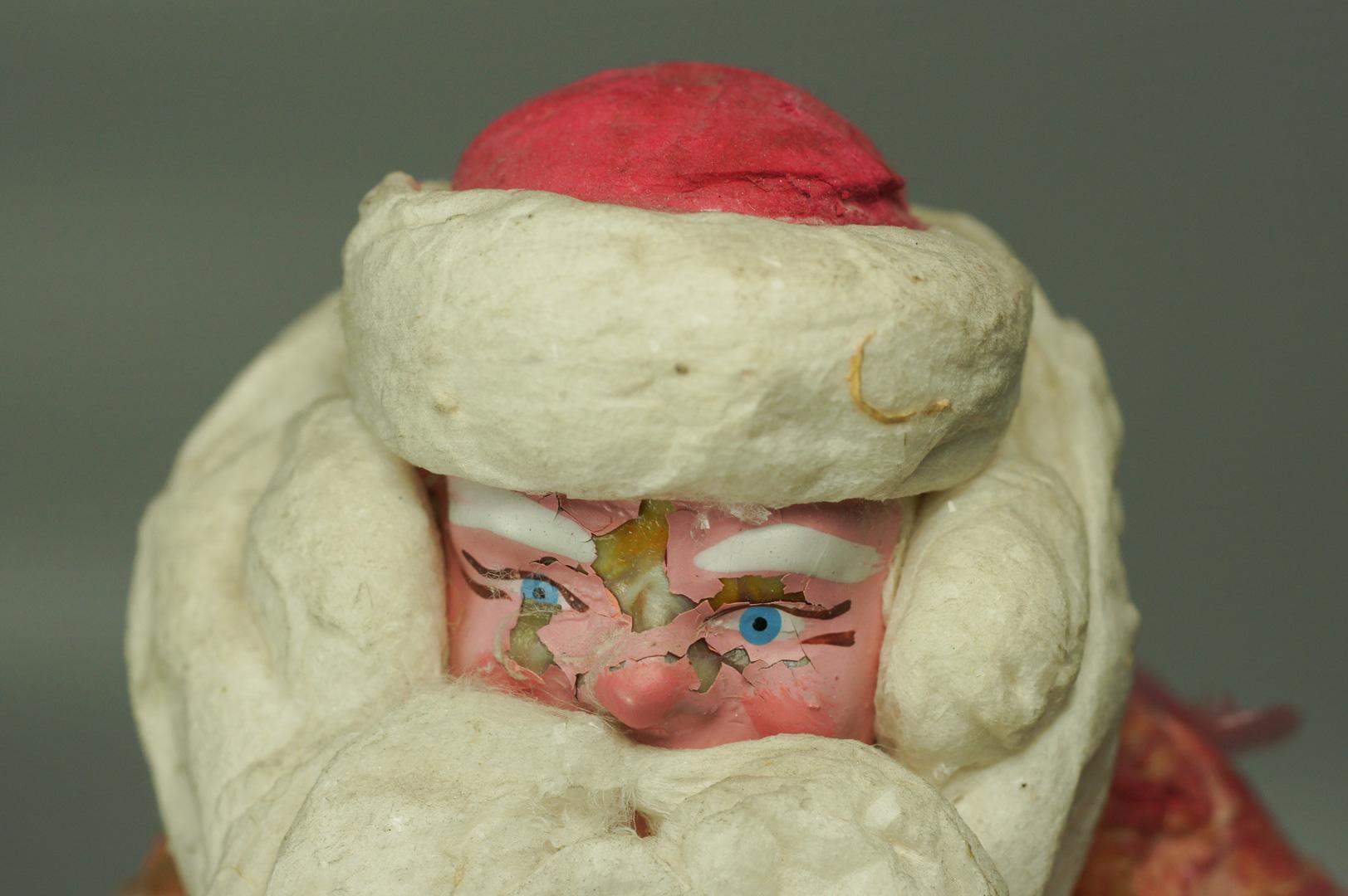 Дед Мороз ватный в красной шубе