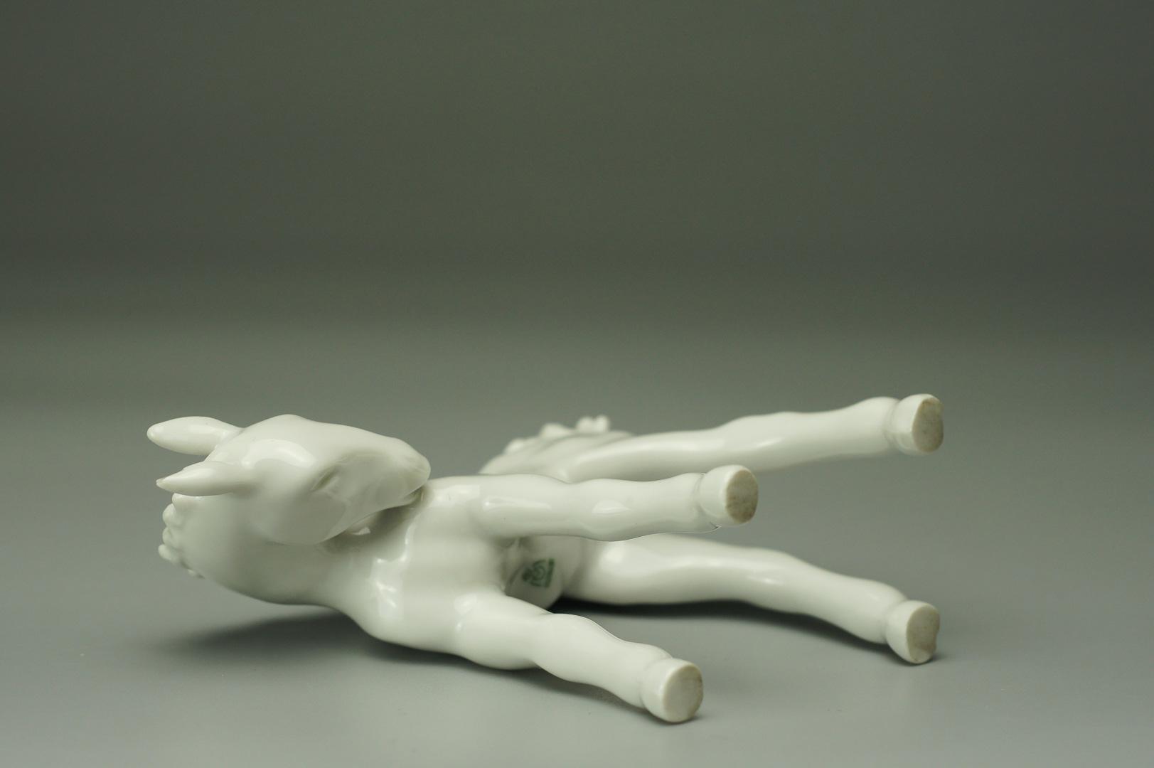 Статуэтка жеребенок белый (большой)