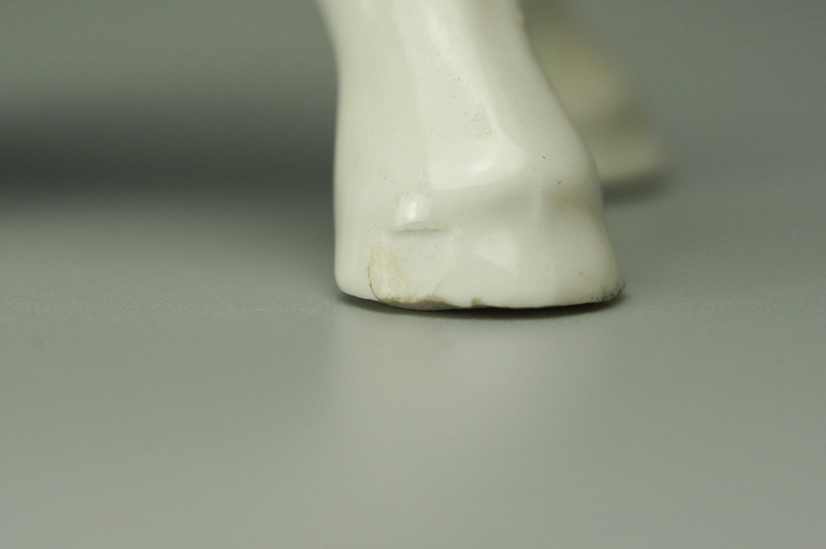 Статуэтка жеребенок средний