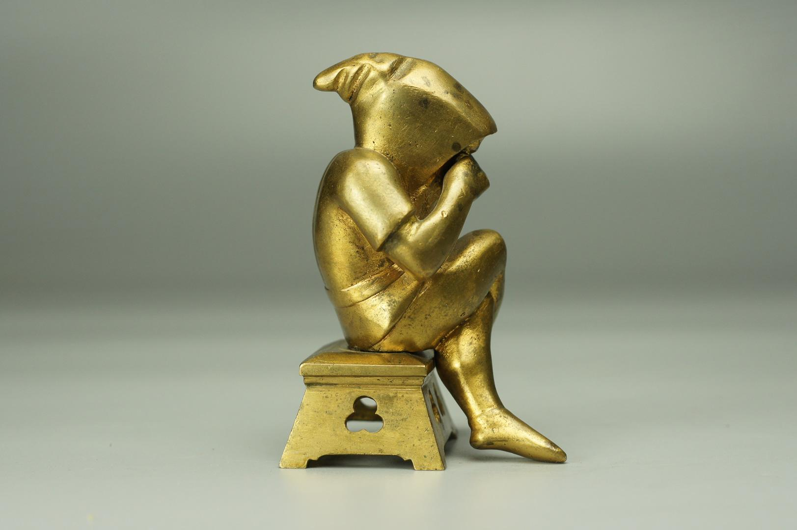 Статуэтка Обиженный гном бронза