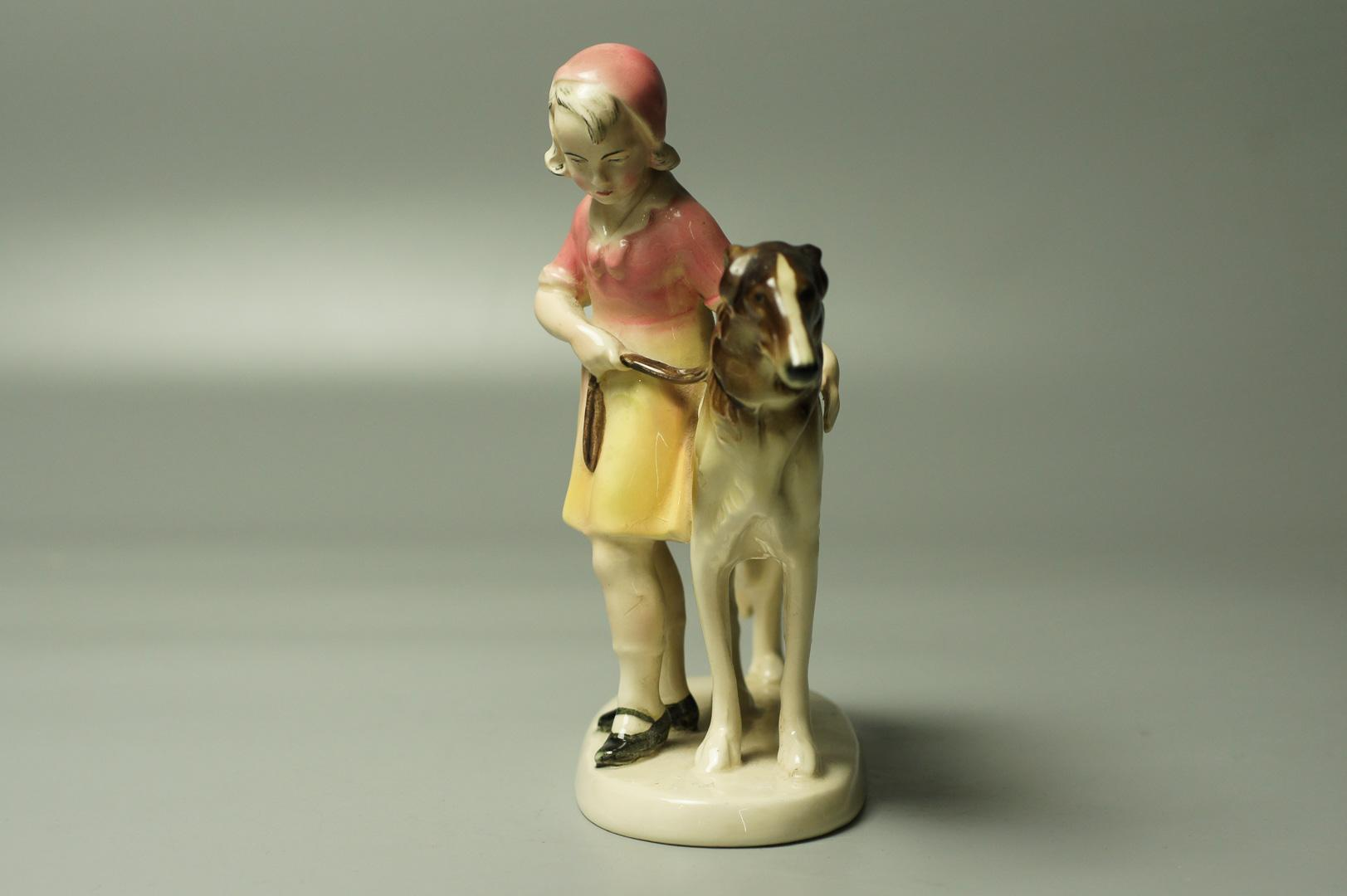 Статуэтка Девочка с борзой