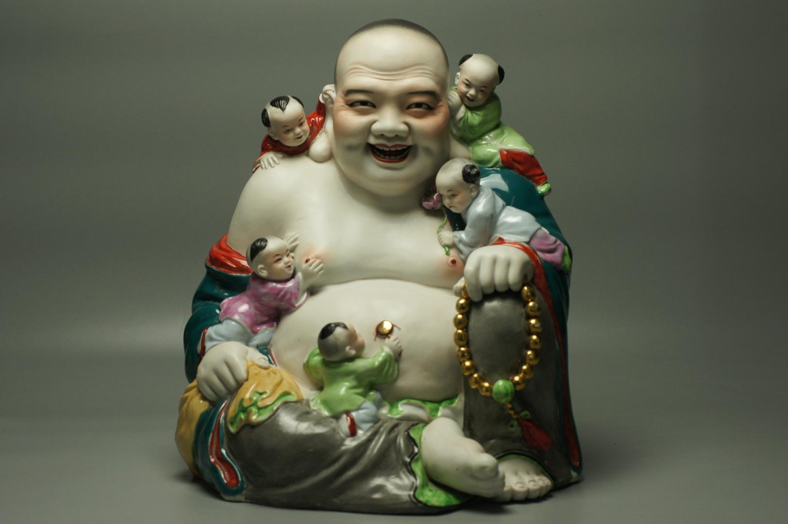 Статуэтка Хотэй и дети большая