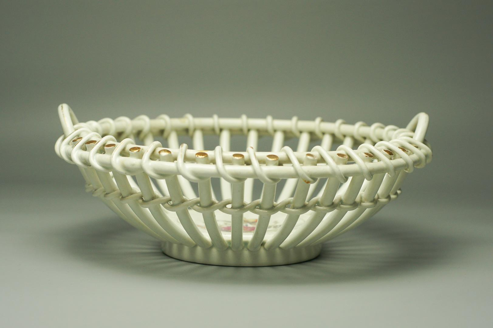 Фруктовница плетенка фаянс